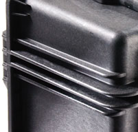 close up of the peli 0450 mobile tool chest Graduated deflector ribs