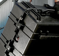 close up of peli 1780 transport cases 50/50 lid-to-base ratio for easy loading